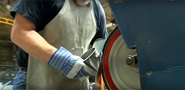 Why do propellers choose mechanical polishing?